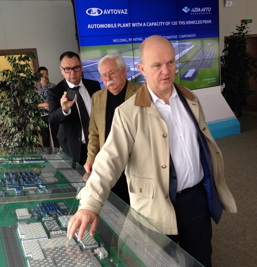 Президент АВТОВАЗа Николя Мор посетил площадку строящегося автопроизводства на востоке Казахстана